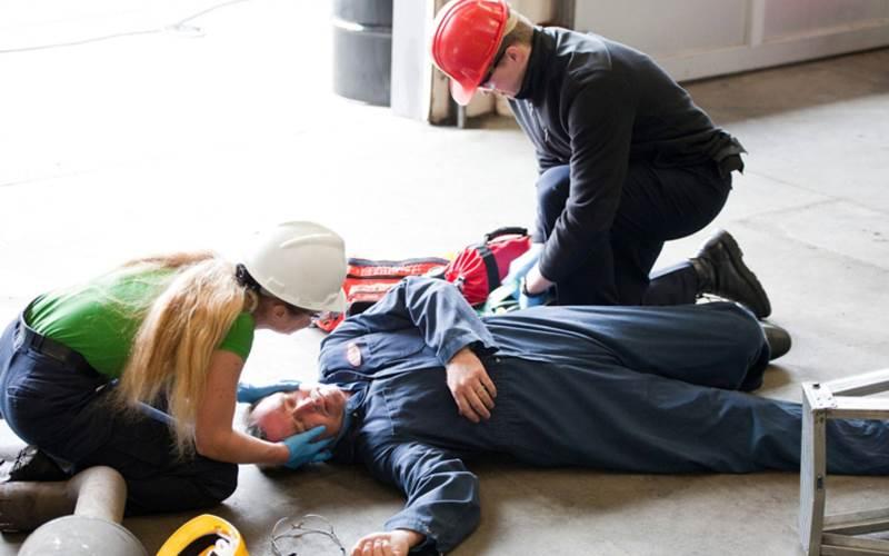 Оказание первой помощи пострадавшим на производстве